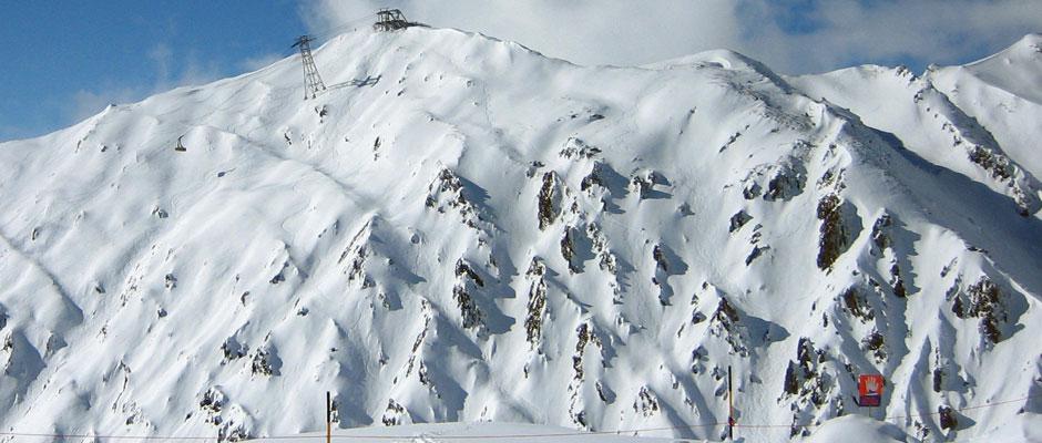 off-piste-skiing-1